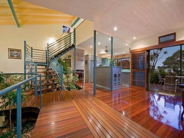 54 Palm St, Rowes Bay, Qld 4810