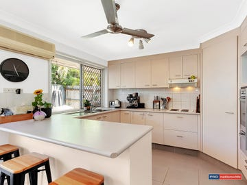 2/76 Treeview Drive, Burleigh Waters, Qld 4220