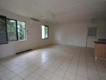 9 CHAPLAIN AVENUE, Manunda, Qld 4870