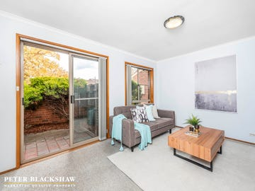 1/6 Clamp Place, Greenway, ACT 2900