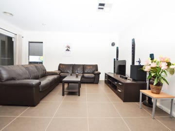 17 Osterley Street, Bourkelands, NSW 2650