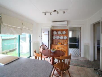 38 Esplanade, Queenstown, Tas 7467