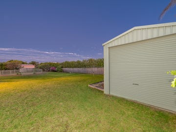 5 Jess Place, Coral Cove, Qld 4670