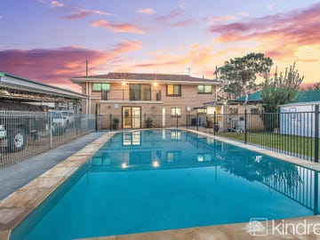 92 King Street, Woody Point, Qld 4019
