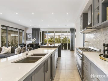 10 Callow Ave, Clyde North, Vic 3978
