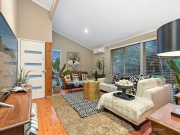 10 John Fawkner Drive, Endeavour Hills, Vic 3802