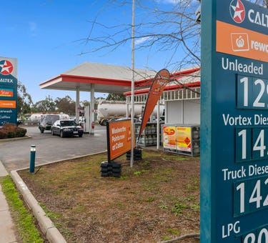 Caltex, 73 Meninya Street (Cobb Highway), Moama, NSW 2731