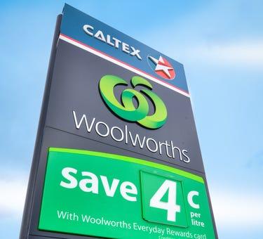 Woolworths / Caltex, 110 Humffray Street South, Ballarat Central, Vic 3350