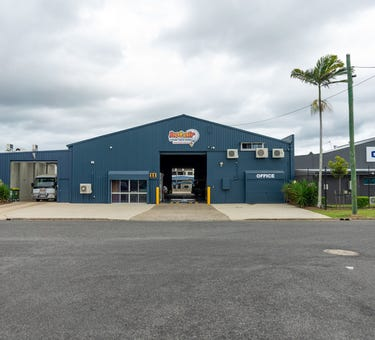 11 -13 West Street, Manunda, Qld 4870