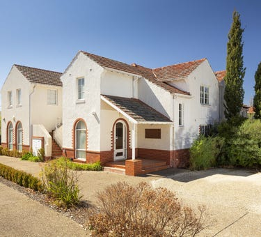 13 Murray Crescent, Griffith, ACT 2603