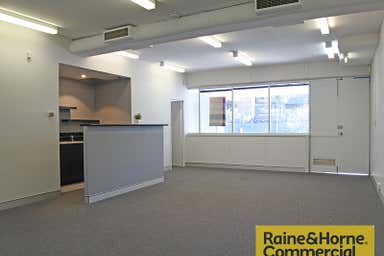 1/20 Douglas Street Milton QLD 4064 - Image 3