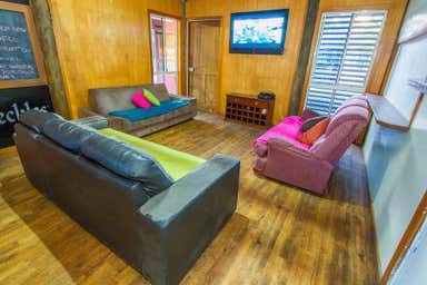 YHA BACKPACKERS, 1/52 Captain Cook Drive Agnes Water QLD 4677 - Image 3