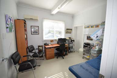 137 Russell Street - Suite 3 Toowoomba City QLD 4350 - Image 2