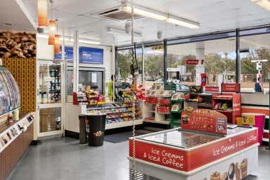 7-Eleven, 76 Gartside Street Wanniassa ACT 2903 - Image 3