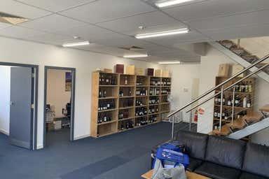 3-225 Ingles Street Port Melbourne VIC 3207 - Image 4