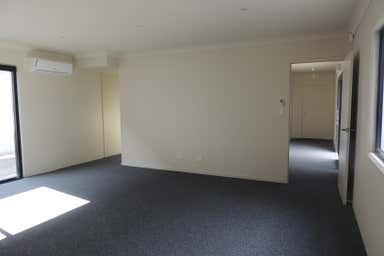8/30 Octal Street Yatala QLD 4207 - Image 3