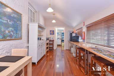 1/32 Arundel Street Fremantle WA 6160 - Image 3