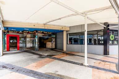 16 & 17/15 Victoria Avenue Broadbeach QLD 4218 - Image 2