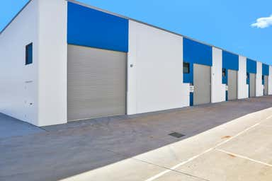 21 Middle Rd Hillcrest QLD 4118 - Image 3