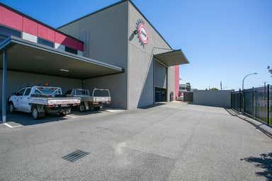 60 Tacoma Circuit Canning Vale WA 6155 - Image 3