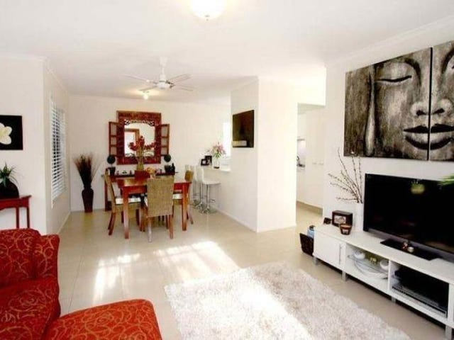 2/10 Woodgate Place, Paradise Point, Qld 4216