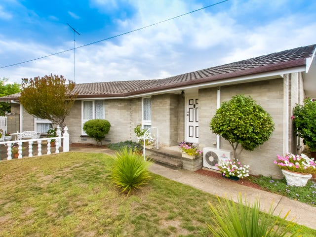 24 St Albans Road, East Geelong, Vic 3219