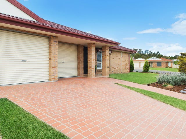 2/1 Lisa Place, Rutherford, NSW 2320