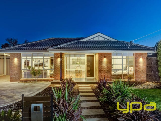5 Roscrea Road, Melton, Vic 3337