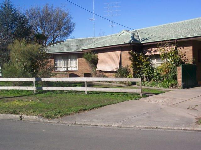 33 Whitelaw Avenue, Delacombe, Vic 3356