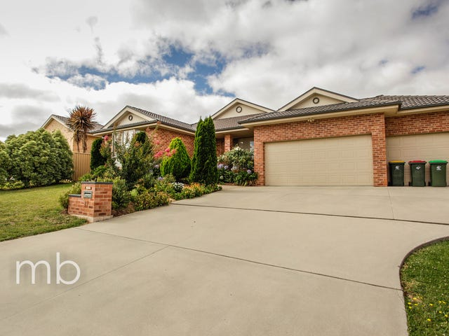 27 Bert Whiteley Place, Orange, NSW 2800