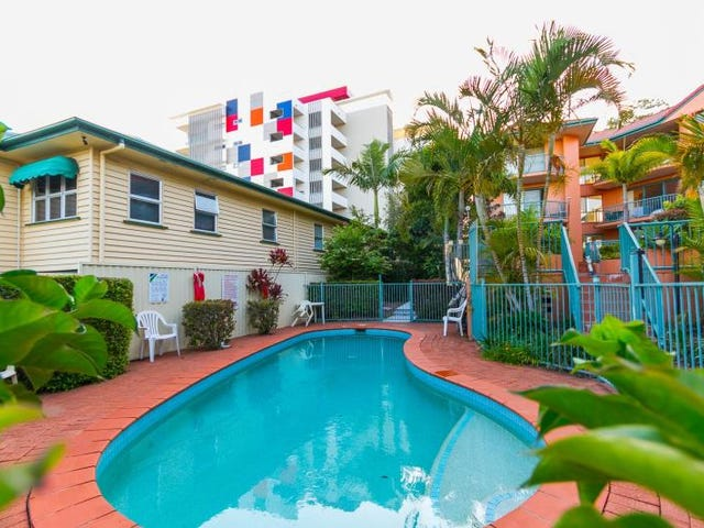 10/12 Gillian Lane, Southport, Qld 4215