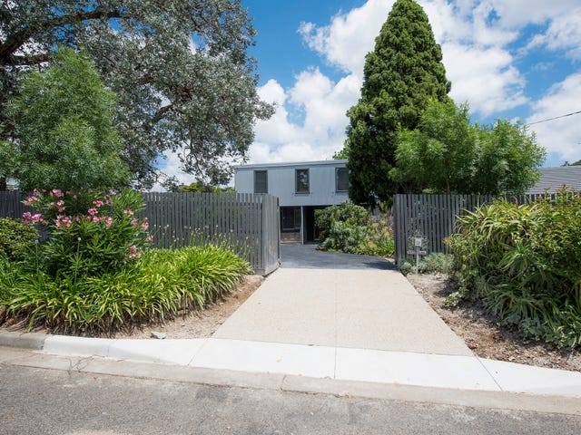 28 Roehampton Crescent, Mount Eliza, Vic 3930