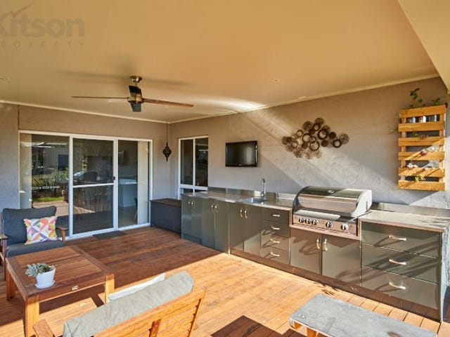 8 Bogong Crescent, Tatton, NSW 2650