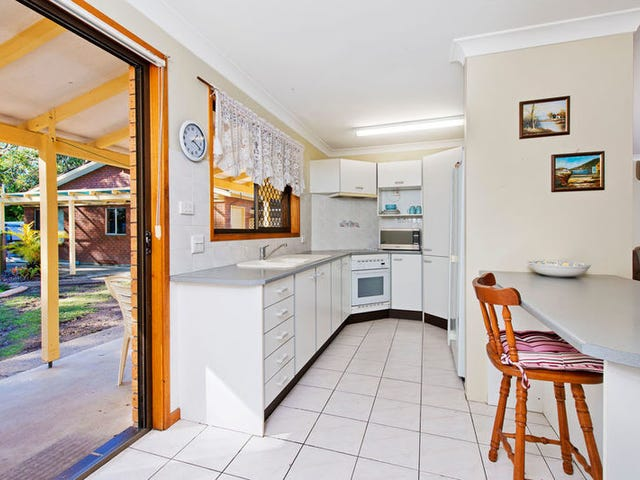 38 Evans St, Lake Cathie, NSW 2445