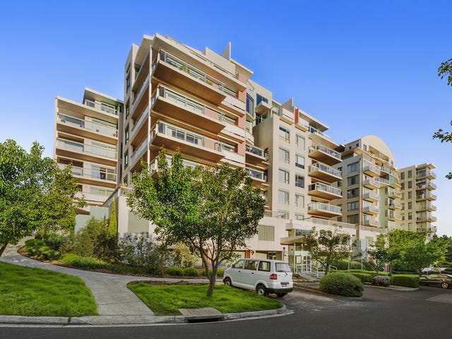 305/1 Sovereign Point Court, Doncaster, Vic 3108