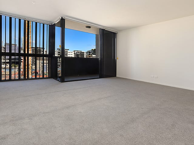 111 (17)/30 Festival Place, Newstead, Qld 4006