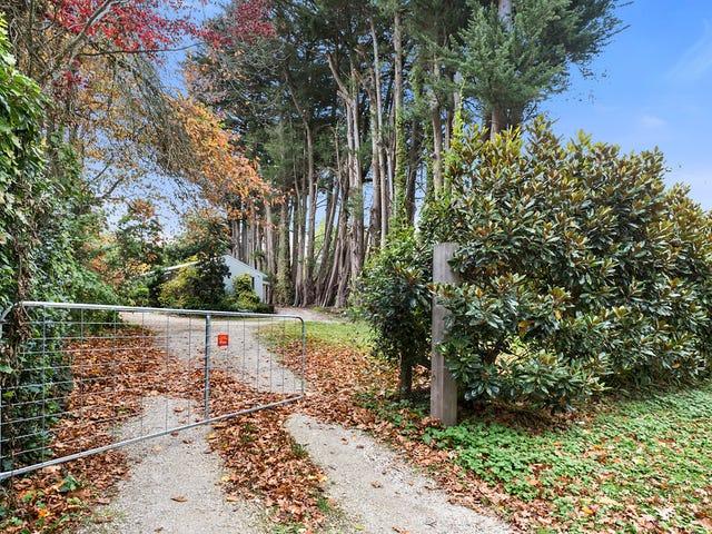 18 Douglas Road, Mount Macedon, Vic 3441