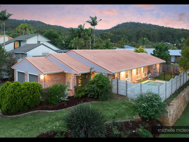 81 Greenford Street, Chapel Hill, Qld 4069