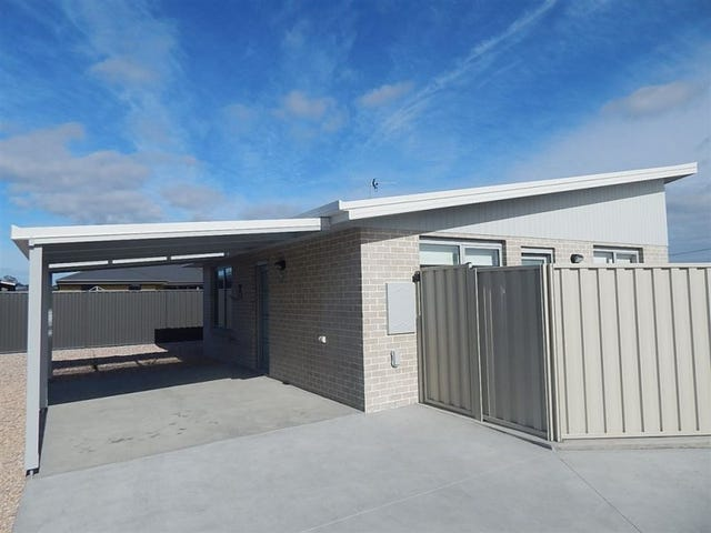 2/2 Maple Street, Latrobe, Tas 7307