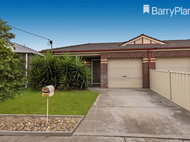 2/24 Coolabah Crescent, Hoppers Crossing, Vic 3029