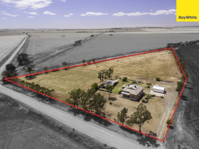 17 Pinkerton Road, Hamley Bridge, SA 5401
