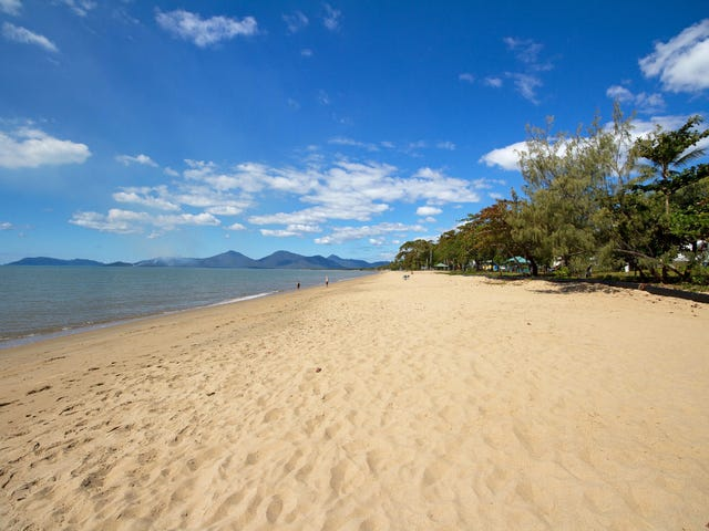 8 Poinsettia Street, Holloways Beach, Qld 4878