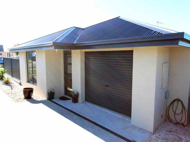 1/18  Tranquil Place, Shearwater, Tas 7307