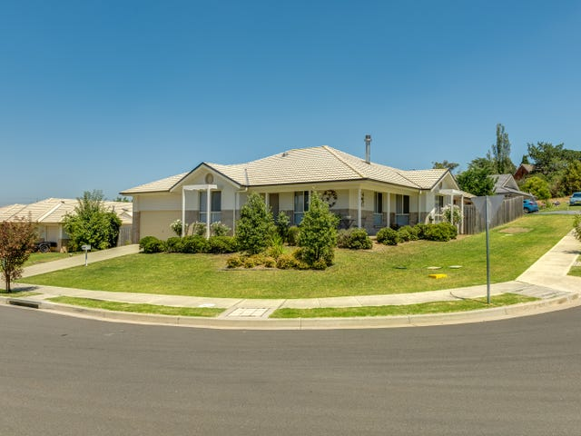 8 Poidevin Place, Goulburn, NSW 2580