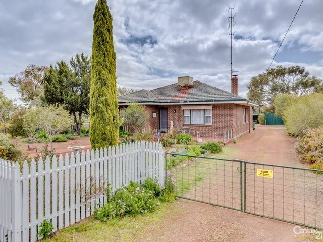 42 Great Southern Highway, Beverley, WA 6304