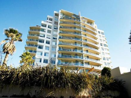102/127 Beach Street, Port Melbourne, Vic 3207