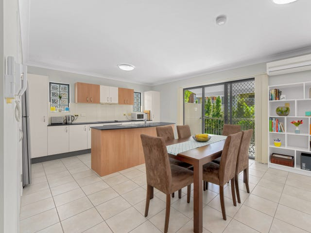 2/397 Rode Road, Chermside, Qld 4032