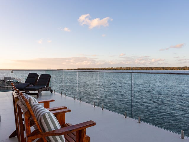 56 Knightsbridge Parade, Sovereign Islands, Qld 4216