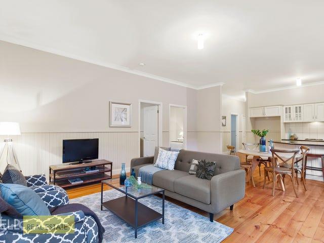 4 Alexander Road, Cockatoo, Vic 3781