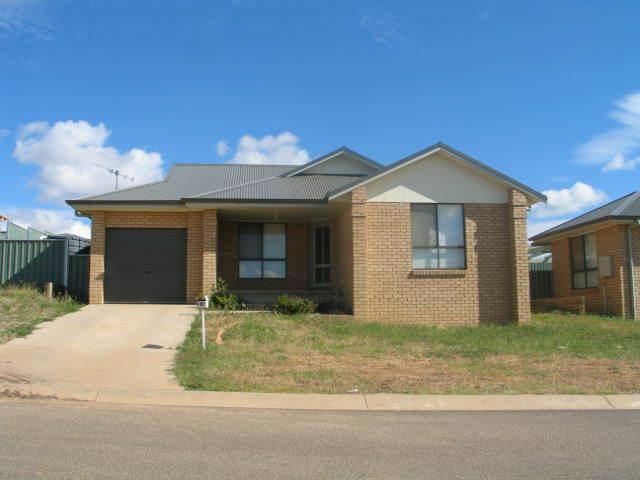 4 Quinlan Street, Orange, NSW 2800